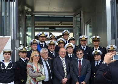 Il ministro dell'Ambiente Orlando fa visita all'isola del Giglio assieme alla sua delegazione